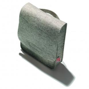 Hochwertiger Filzbeutel aus meliertem Wollfilz mit Klettverschluss von side by side.