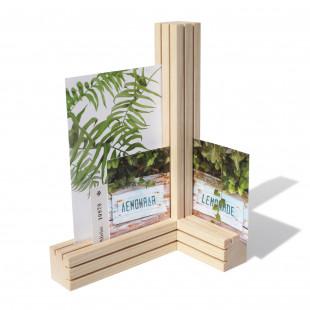 TRI Kartenhalter / Bilderhalter mit Schlitzen für Postkarten, Bilder, Karten, Notizen ... uvm. - aus Eschenholz - TRI von side by side Design - hochkant Anwendung