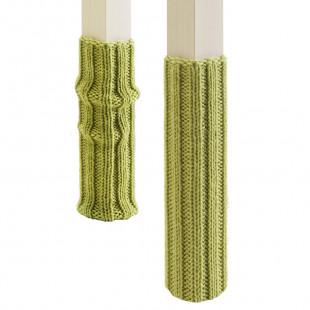 Socken-Set für Stuhlbeine aus grüner Wolle von side by side.