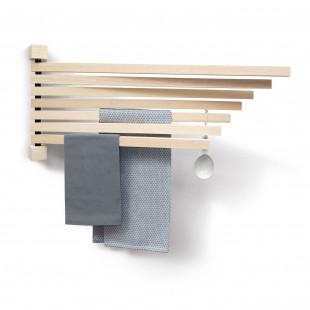 Wandpfau PAVO L von side by side design. Holz Garderobe. Organisiert an der Garderobe, ist Geschirrtuchhalter und vieles mehr. Holz Wandhalter / Garderobenhalter / Zeitschriftenhalter, Geschirrtuchhalter, ...